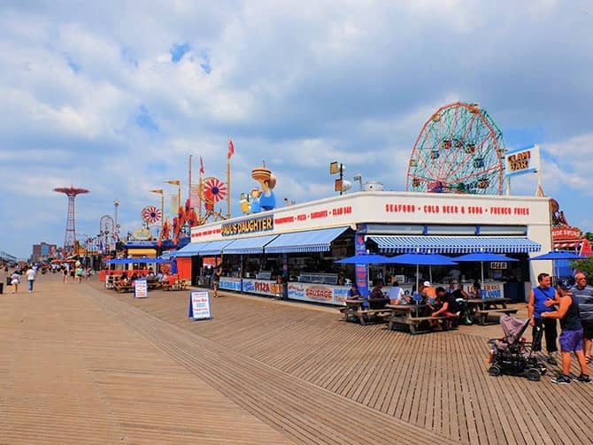 Coney Island in New York - Boardwalk