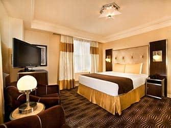 New Yorker Hotel - Room