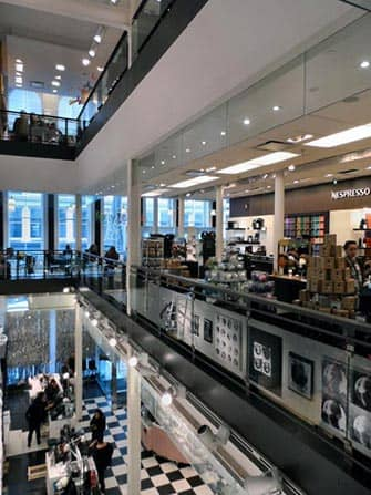 Bloomingdale's in New York - Interior