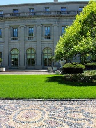 Front garden Frick Museum