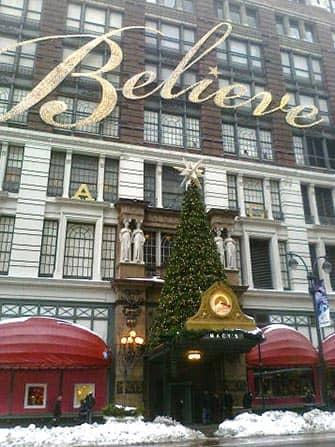 Macy's in New York - Christmas Tree