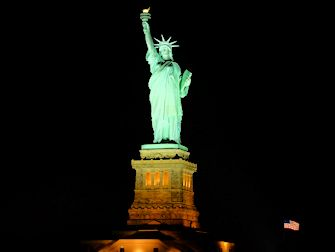 New York Dinner Cruise with Buffet - Statue of Liberty