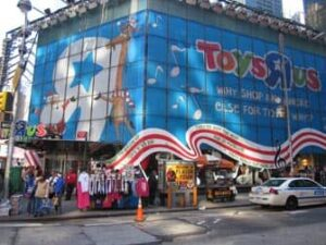 toys R us on times square