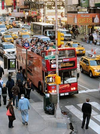 Hop-on Hop-off Bus in New York - Gray Line Red Bus