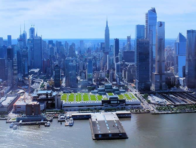 New York Helicopter Tour - Flying over the Hudson