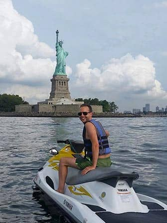 Jet skiing in New York - Statue of Liberty