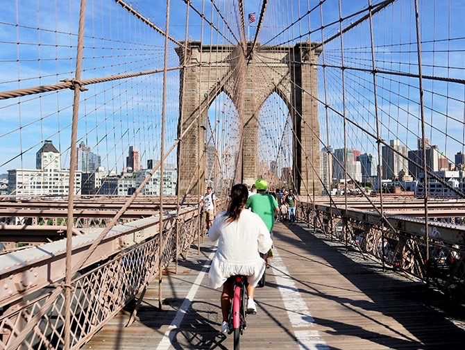 Renting a bike in New York - Brooklyn Bridge