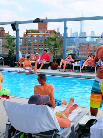 Swiming in New York - Gansevoort