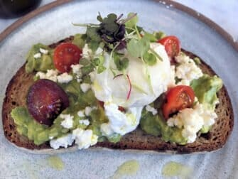 Australian Restaurants and Cafes in New York - Bluestone Lane Avo mash